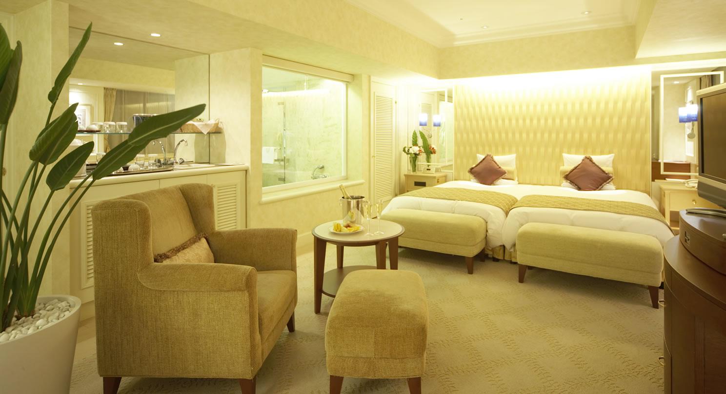 デラックスジュニアスィートルーム|客室紹介|舞浜|ホテルオークラ
